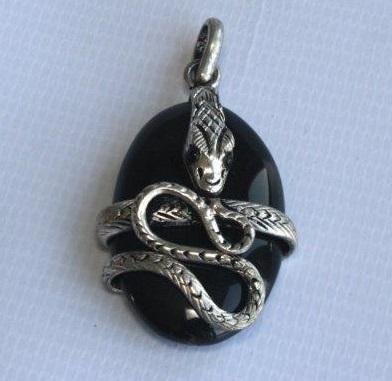 White Metal Snake Pendant With Stone