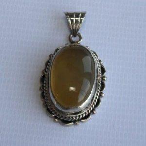 White Metal Akura with Stone Pendant
