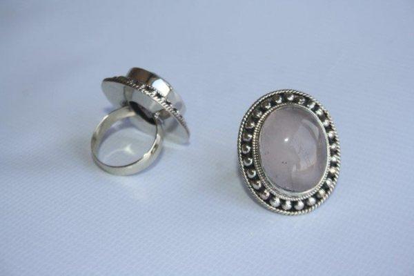 White Metal Akura with Stone Ring